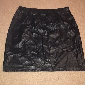 Dresses & Skirts - ❤️Black Leather Legging Pleather Skirt
